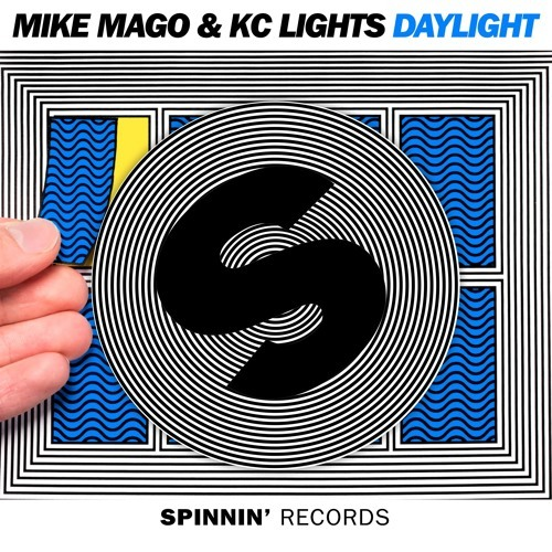Mike Mago & KC Lights / Daylight